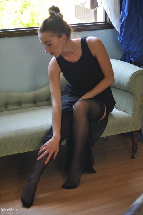 Sophia Smith Window Love - Picture 1