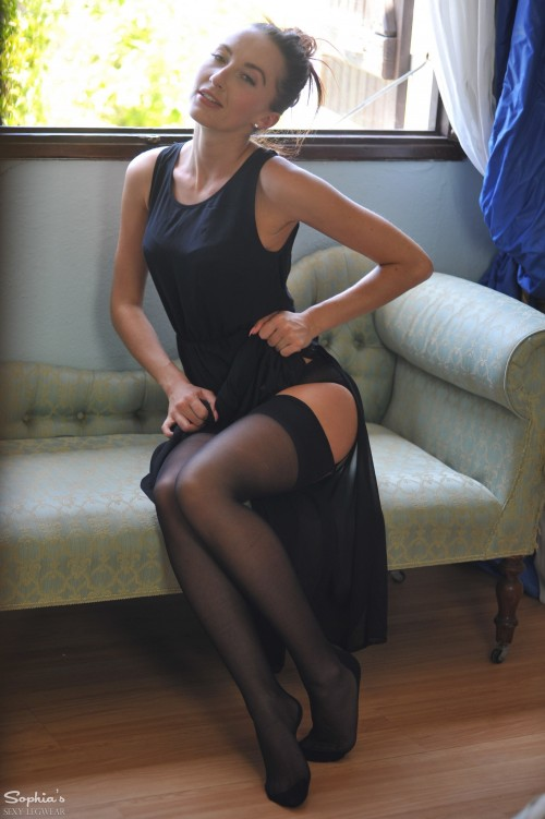 Sophia Smith Window Love - Picture 3